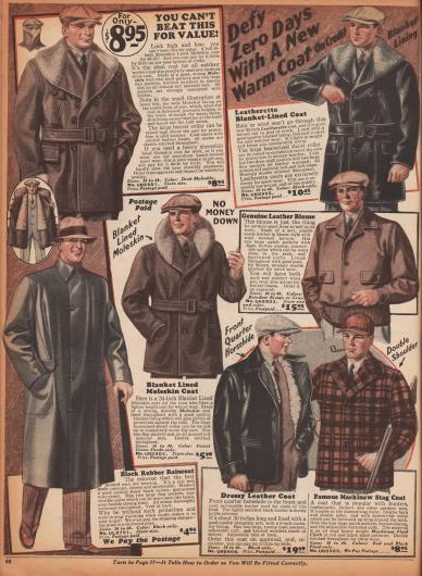 """Doppelseite mit warmen Jacken, Regenmänteln, einer Lumber Jacket (Holzfällerjacke) einem Blouson aus Wildleder und einer mit Schafsfell gefütterten Weste. Die Materialien der Jacken sind Leder, Englischleder (engl.: """"moleskin""""), Kord oder Jeansstoff (Baumwolle). Vier der Jacken sind sogenannte """"Mackinaw Jackets"""", die sich durch ihre breiten Kragen, doppelten Knopfleisten und einem dicken Gürtel auszeichnen."""