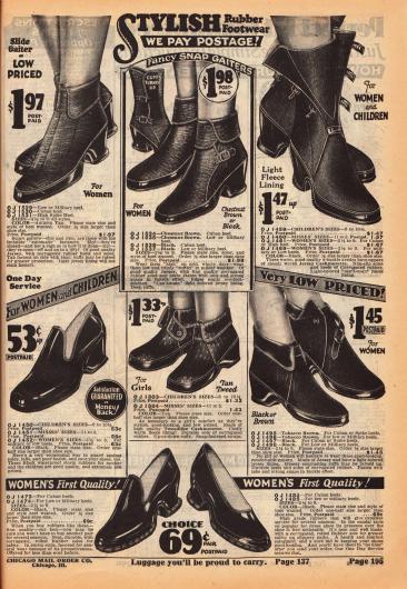 Schicke Galoschen (Überschuhe) für Frauen, junge Mädchen und Backfische aus dicht gewebtem Jersey, Jersey-Kaschmir und Gummi. Auch die Sohlen sind aus Gummi. Geschlossen werden die Galoschen über Druckknöpfe oder durch Schließen und Schnallen. Zudem können die Galoschen in verschiedenen Absatzhöhen bestellt werden, passend zu den eigenen Schuhen.