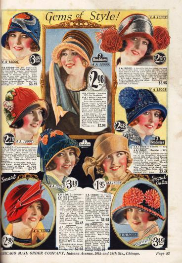 Hüte in herbstlichen Farben; ideal für die farbliche Kombination zu einem passenden Kleid oder Mantel. Die Hüte sind bestellbar in 2 verschiedenen Größen: in der Standartgröße und in einer etwas kleineren Größe für Frauen mit Kurzhaarschnitt.