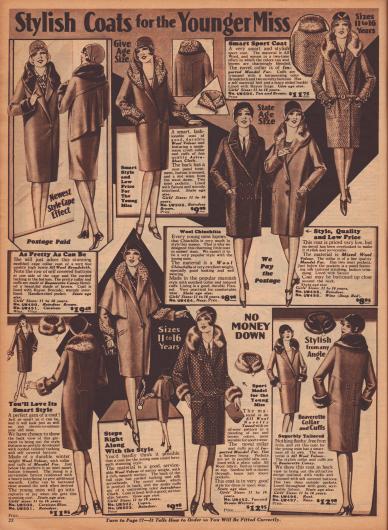 """""""Modische Mäntel für die junge Dame"""" (engl. """"Stylish Coats for the Younger Miss""""). Herbst- und Wintermäntel für junge Mädchen im Alter zwischen 11 und 16 Jahren. Die Mäntel sind aus Woll-Breitgewebe, Woll-Velours, Woll-Chinchilla, reinem Wollstoff, Woll-Velours oder Woll-Tweed gefertigt. Als Pelzverbrämungen dienen die Felle von biberartig gefärbtem Kaninchen, Astrachan-Wolle (Kunstpelz) sowie importiertem """"Mandel fur"""" (chinesisches Schaf)."""