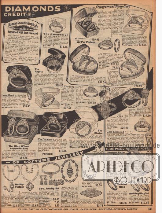 """""""[Echte] Diamanten – [Auf günstigem] Kredit"""" (engl. """"[Genuine] Diamonds – [On Easy] Credit """"). Ringe, Verlobungsringe und Hochzeitsringe aus Weißgold mit echten Diamanten oder synthetischen Saphiren. Die Ringe sind ornamental graviert und verziert. Unten links wird außerdem Modeschmuck im neuesten Pariser Schick vertrieben (Halsketten mit """"Deltah Pearls"""" – also Glasperlen, ein Set bestehend aus Halskette, Ohrringen und Armreif aus Jade sowie eine Kette aus Türkisgestein)."""