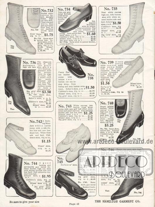 """Schuhe für Mädchen und junge Damen im Alter von etwa 5 bis 18 Jahren. Das Angebot umfasst sechs Schnürstiefeletten, zwei Schnallenpumps und vier Pumps mit Knöchelschnalle, sogenannte """"Mary Jane Pumps"""". Die Schuhe sind aus Kanevas, Lackleder sowie Ziegenleder. Neben Schnürung werden einige Stiefeletten auch nur mit Knöpfen geschlossen. Alle Schuhe besitzen niedrige, flache Absätze."""