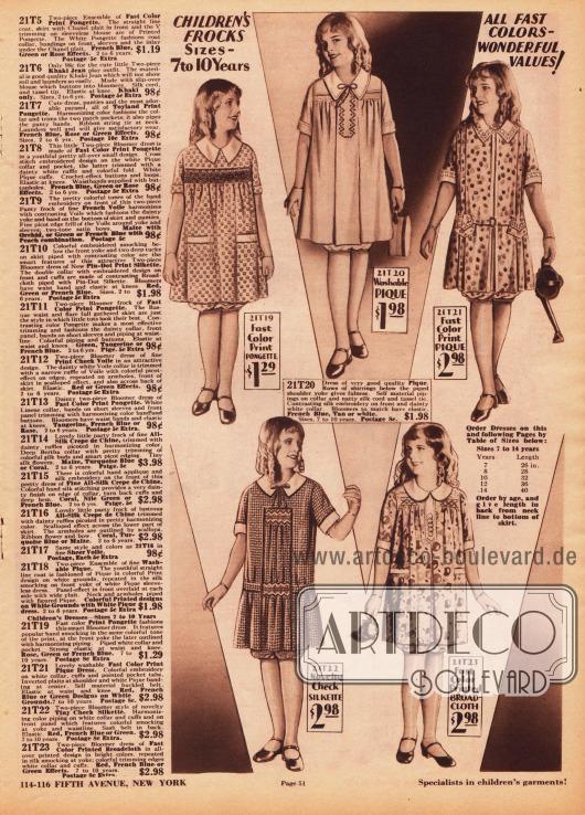 Kurzärmelige Kleidchen mit Pumphöschen für 7 bis 10-jährige Mädchen. Die Kleider sind aus bedruckten, karierten und teilweise bestickten Stoffen wie Rohseide, Pikee, Seide oder Breitgewebe. Einzelne Modelle sind mit Taschen versehen. Die ersten beiden Modelle oben links zeigen Reihenziehungen an der Brust. In der rechten Spalte befinden sich die Erläuterungen zu den Modellen auf dieser sowie auf der gegenüberliegenden Seite 50.