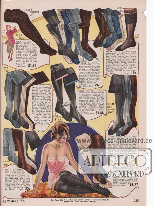"""Damenstrümpfe aus Seidenspitze sind 1921 """"Fashion's latest whim"""" (dt.: """"neueste Modelaune""""). Daneben sind gewöhnliche Strümpfe mit verstärkter Ferse aus reiner Seide und merzerisierter Baumwolle in den Farben Schwarz, Weiß, Grau, Braun oder Marineblau erhältlich – dunkle Farben sind noch in Mode. In der Mitte befinden sich besonders länger strapazierbare Stümpfe mit verstärkten, farblich kontrastierenden Rändern, zum sicheren Befestigen von Strumpfhaltern. Dicke Seidenstrümpfe für kühle Tage oder Sport befinden oben links. Oben rechts sind Herrenstrümpfe aus Seide."""