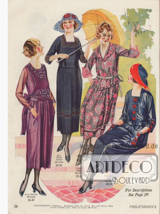 Kleider für junge Frauen in kleineren Konfektionsgrößen aus Seiden-Popelin, Woll-Serge, fantasievoll bedrucktem Schleierstoff und Seiden-Taft. Das erste Kleid wird von einem aufgesetzten bestickten Panel geziert, während das Tunikakleid (drittes Modell) eine verlängerte Gürtellinie aufweist, die durch eine Rüsche markiert ist.