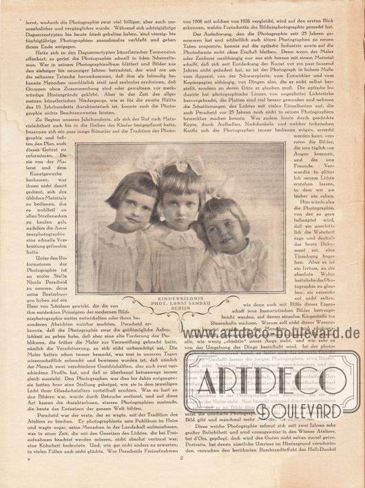 Artikel: Maibauer, Dr. Fritz, Moderne Bildnisphotographie. Im Zentrum der Seite ist ein fotografisches Kinderbildnis abgebildet, das drei Mädchen in weißen Kleidchen und mit Schleifen im Haar zeigt. Foto: Ernst Sandau, Berlin.
