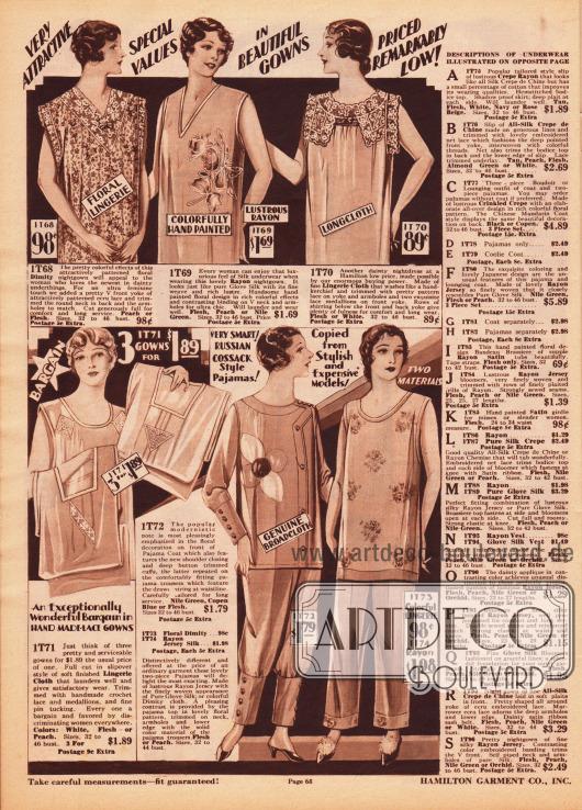 """Bedruckte, Hand bemalte und bestickte Nachthemden, Nachtroben und Pyjamas aus Dimity (dt. """"Barchent"""", Mischgewebe aus Baumwolle und Leinen), matt glänzendem Rayon, """"Lingerie Cloth"""" (wahrscheinlich Baumwollstoff) und Breitgewebe. Einzelne Exemplare sind zudem mit Spitze versehen. Unten links befindet sich ein Angebot; drei Nachhemden zum Preis von 1,89 Dollar. Daneben befinden sich zweiteilige Damenpyjamas mit Beinkleidern. Das linke Modell zeigt enge, mit Knöpfen versehene Manschetten an Beinen und Ärmeln."""