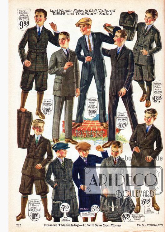 """Anzüge mit langen Hosen und Anzüge mit kurzen Kniebundhosen im populären Norfolk Stil mit mehreren Taschen und Taillengürtel für Jungen von acht bis 18 Jahren. Die Anzüge sind aus Woll-Kaschmir, Wollmischstoffen und Woll-Tweed. Viele Modelle werden mit einem zweiten Hosenpaar geliefert. Oben in der Mitte wird ein """"Jazz Model"""" angepriesen, das sich durch eine hohe enge Taillierung auszeichnet. Die Weste dieses Modells ist in der Front sehr tief ausgeschnitten."""