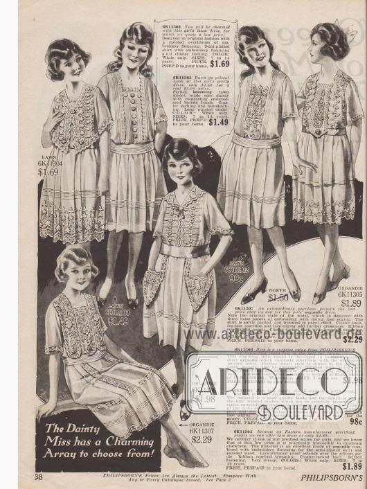 """Doppelseite mit Kleidern für Mädchen im Alter von 7 bis 14 Jahren. Die Kleidchen sind aus """"lawn cloth"""" (flach gewebter Leinenstoff), Organdy (transparenter Batist) und ähnlichen leichten Netzstoffen für den Sommer. Auffällig sind die überschwänglichen handgearbeiteten Stickereien und Spitzengarnierungen."""
