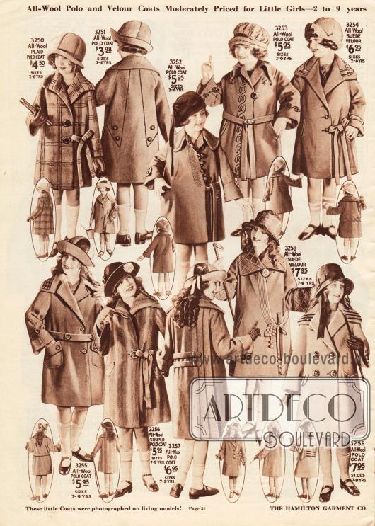 Zehn Mäntel für Mädchen von 2 bis 9 Jahren. Die Mäntel sind aus verschiedenen Wollgeweben und Woll-Velours gefertigt.In der Aufmachung und im Schnitt orientieren sich die Mäntel an den Damenmänteln. Stickereien, gestickte Motive, breite Kragen, zu Schleifen gebundene Gürtel oder auch Tressen aus Leder (3259) geben jedem Mantel eine individuelle Note.