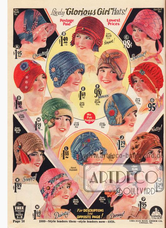 """""""Wunderschöne 'Glorreiches Mädchen' Hüte"""" (engl. """"Lovely 'Glorious Girl' Hats"""") – Reg. U.S. Pat. Off. 14 Hüte für Mädchen von 3 bis 14 Jahren, die den Hüten der großen Damen sehr ähnlich sind. Die Altersangaben sind bei jedem Hut vermerkt. Die Hüte sind aus Ajours-Strohgeflecht, """"Fancy Sunrise Hemp"""" (Hanfgeflecht), Mailänder Stroh, Rayon Faille, Visca-Stroh, Hanf, Pyroxylin Hair (Pferdehaar Imitat), Rayon-Faille-Taft, Toyo-Stroh, Rayon-Bengaline und """"Tuscan Straw"""" (dt. """"Toskanischem Stroh""""). Die Hüte sind mit Ripsbändern, Rosetten, Kunstblumen, künstlichen Beeren und Stickereien aufgeputzt."""