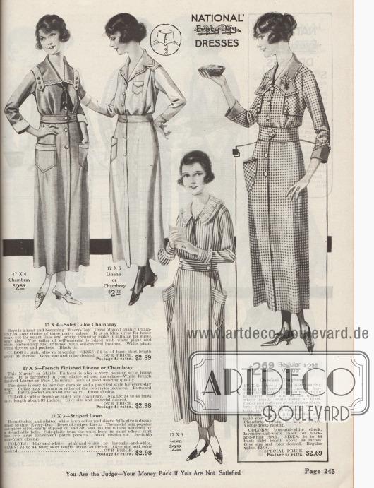 """""""'National' Alltagskleider"""" (engl. """"'National' Every-Day Dresses""""). Vier einfache und günstige Straßen- und Haushaltskleider aus unifarbenem Chambray, Leinen oder wahlweise Chambray, gestreiftem Batist bzw. Linon sowie kariertem Gingham zum Preis von 2,89 oder 2,98 Dollar. Durch die komfortablen Knopffronten sind die Kleider leicht anzuziehen (Mantelkleider). Praktische Taschen zum Verstauen von Haushaltsutensilien. Modelle mit Knopfgarnitur, farblich kontrastierenden Blenden, Bandschleifen, leichter Stickerei oder auch mit einer plissierten Kragenrüsche oder einer schwarzen Krawatte."""