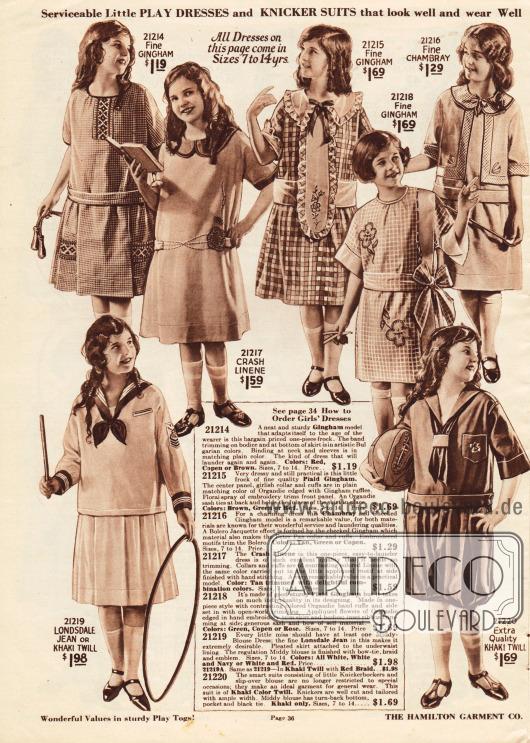 """Tages- und Schulkleider sowie ein Sportkleid mit Knickerbockern für Mädchen im Alter von 7 bis 14 Jahren.Die Kleider sind aus feinem kariertem Gingham, Leinen, Chambray, Londsdale Jeans oder Khakigewebe. Einzelne Kleider sind mit kleinen oder großen Schleifen, Stickereien oder Rüschen garniert. Unten links befindet sich ein Kleidchen mit Matrosenbluse (engl. """"Middy-Blouse Dress""""), rechts daneben der besagte Knickerbocker Sportanzug."""