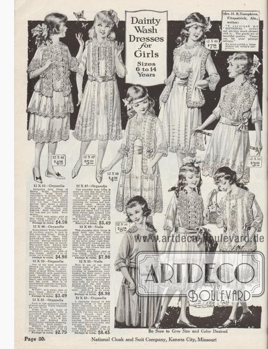 """""""Anmutige Waschkleider für Mädchen – Größen für 6 bis 14 Jahre"""" (engl. """"Dainty Wash Dresses for Girls – Sizes 6 to 14 Years""""). Sommerliche Sonntags- und Festkleider aus Organdy, Voilestoff (Schleierstoff) und reichem Spitzenbesatz. Erhältlich sind die Modelle in den Farben Weiß, Rosa, Hellblau oder Maisgelb. Die Kleider sind reich bestickt, mit Biesen und Haarbiesen verziert und mit Valenciennesspitze und bogigen Kanten gearbeitet. Breite Stoffgürtel teilweise mit Schleifen."""