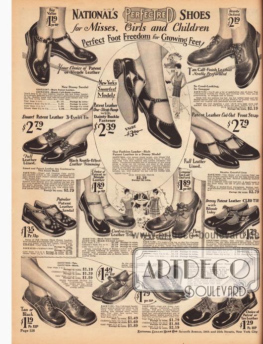Schicke, kleidsame Schuhe mit flachen Absätzen für kleine Mädchen und Backfische (Mädchen im Alter bis 14 Jahre). Die Schuhe und Sandalen sind aus Lackleder, Kalbsleder und Chevreauleder (Ziegenleder). Manche Modelle sind mit reptilienartig genarbten Ledersorten kombiniert. Zur Dekoration dienen auch Perforationen und Ausstanzungen. Neben den Sandalen werden hier auch Blücher Oxfords für Mädchen präsentiert.