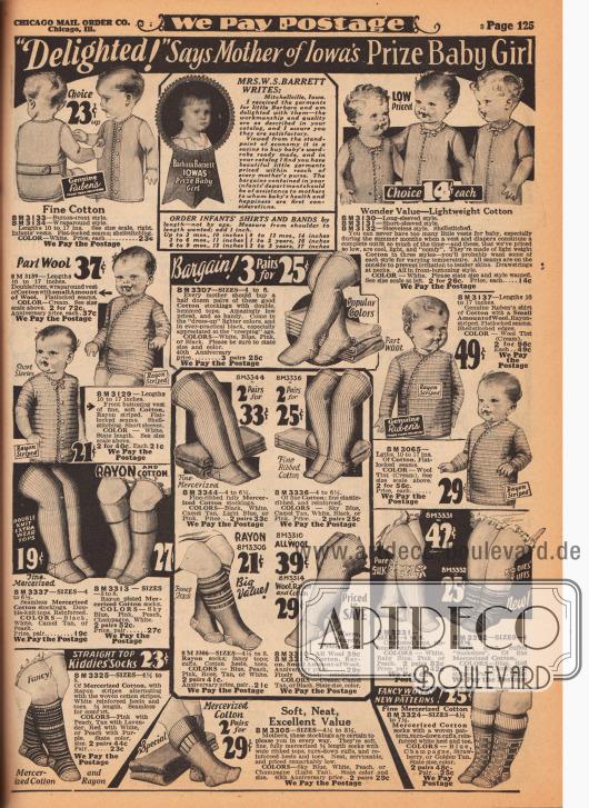 """Baby- und Säuglingskleidung bestehend aus kleinen Westen, Hemdchen, Unterhemdchen sowie langen Strümpfen und Söckchen. Die Hemdchen aus Baumwolle oder Baumwoll-Mischgeweben haben lange, kurze oder auch gar keine Ärmel und werden seitlich oder per Knopfleiste in der Front geschlossen. Die einfarbigen und bunten Strümpfe und Socken sind aus Baumwolle oder merzerisierter Baumwolle. Oben befindet sich ein Testimonial einer Mutter namens W. S. Barrett aus Mitchellville, Iowa mit einem Foto ihrer Tochter Barbara Barrett (""""Iowa's Prize Baby"""")."""