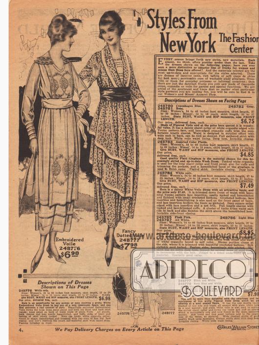 """""""Mode aus New York – Dem Modezentrum"""" (engl. """"Styles From New York – The Fashion Center""""). Beginn der Abteilung für Damenmode und Backfischkleider. Zwei leichte Sommerkleider aus weißem, besticktem Voile (Schleierstoff) oder schwarz-weiß (oder marineblau und weiß) gepunktetem Voile. Das erste Kleid besitzt je ein mit Hohlnähten und Stickereien versehenes Paneel aus dem Kleidmaterial vorne und im Rücken. Während die Manschetten Biesen zeigen, ist der runde Doppelkragen aus Organdy mit Valenciennesspitze berandet. Das zweite Kleid besitzt eine doppelte Tunika, die nicht ganz rundumgeführt ist. Ränder der Tunika mit Einfassborte."""
