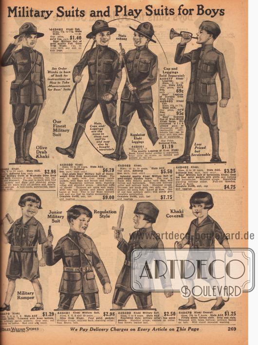 """""""Militäranzüge und Spielanzüge für Jungen"""" (engl. """"Military Suits and Play Suits for Boys""""). Militäruniformen als Spielanzüge für 2 bis 18-jährige Jungen und Jungen im jugendlichen Alter. Die Uniformen sind aus olivgrünen Khakigeweben. Die Uniformjacken zeigen hochgeschlossene Kragen und bis zu vier aufgesetzte Taschen mit Taschenklappen. Dazu werden Breeches (Reiterhosen) getragen. Unten sind militärische Spielanzüge (engl. """"Military Romper""""), Uniformen und ein Khaki Overall für 2 bis 10-jährige Jungen zu finden."""