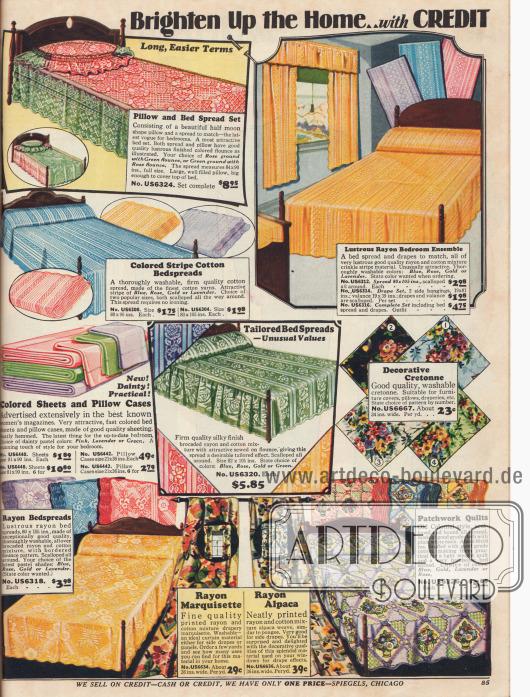 """""""Erhellen Sie Ihr zu Hause… auf Kredit"""" mit farbenfrohen, hellen und elegante Bettlaken, Tagesdecken, Tüchern und Vorhängen aus reiner oder gemischten Baumwolle und Rayonstoffen. Des Weiteren können auch buntgeblümte Kretonnestoffe zum Weiterverarbeiten, beispielsweise für Kissenbezüge, angeboten."""