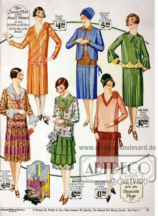 """Kleider für """"junior Misses"""" im Alter von 14 bis 20 Jahre oder für klein gewachsene Frauen. Die Kleider sind aus Rayon Krepp, Jaquard-Rayon Krepp, reinem Seiden Krepp und bedrucktem Seiden-Baumwoll Krepp, Crêpe de Chine mit Georgette und Seiden-Georgette Krepp."""