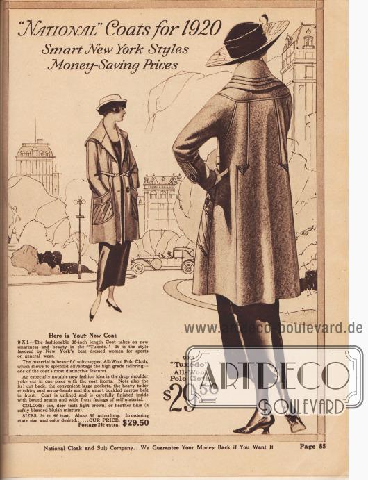 """""""'National' Mäntel für 1920 – Fesche New Yorker Mode – Sparpreise"""" (engl. """"'National' Coats for 1920 – Smart New York Styles – Money-Saving Prices""""). Beginn der Abteilung für Damenmäntel mit einem mondänen, sportlichen Frühjahrsmantel aus Woll-Polo-Gewebe für Damen zum Preis von 29,50 Dollar. Der ungefütterte Kurzmantel besitzt einen sehr breiten Kragen, übergroße Taschen und dekorative Schneider-Nähte bzw. Stepperei sowie gestickte Pfeilspitzen im Rücken. Schmaler Gürtel aus dem Mantelmaterial."""