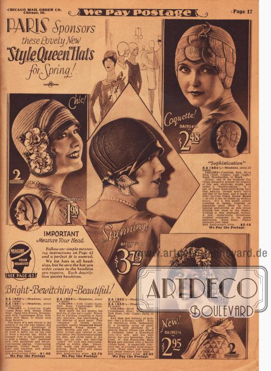 """""""Paris sponsert diese reizend schönen neuen 'Style Queen' Hüte für das Frühjahr"""" (engl. """"PARIS Sponsors these Lovely New 'Style Queen' Hats for Spring!""""). Vier enganliegende Damenhüte der Chicago Mail Order Marke """"Style Queen"""" aus Visca-Stroh, von Hand gehäkeltem und importiertem Visca-Stroh, Hanfgeflecht und Pyroxylin Geflecht (engl. """"Pyroxylin Hair Braid"""", eine kunstseidenartiger Stoff der Pferdehaar ersetzt). Die Hüte präsentieren die 1929 sehr modische helmartige Linie ohne Krempe (hier auch engl. """"scull-cap"""" bezeichnet). Über die Ohren gelegte Kanten und Krempenteile erzielen einseitige Effekte. Ripsbänder, künstliche Blüten (Gardenien) und Blätter sowie mit Strass besetzte Hutnadeln und Ornamente dienen als zurückhaltender Aufputz."""