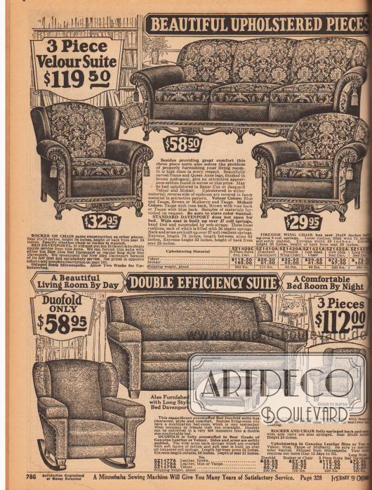 """""""Wunderschön gepolsterte und bezogene Sitzgarnituren [für Ihr Wohnzimmer]"""" (engl. """"Beautiful Upholstered Pieces [for Your Living Room]""""). Zwei mehrteilige Wohnzimmergarnituren (bestehend aus Dreisitzer-Sofa, Sessel mit Quasten oder wahlweise Schaukelstuhl) oder einzeln bestellbare Sitzmöbel für das Eigenheim. Die obere Polstergarnitur zeigt geschnitzte Beine und ein Untergestell aus Mahagoni im Queen Anne Stil. Der Bezugsstoff ist aus reich ornamentiertem Velours und unifarbenem Mohair. Darunter befindet sich eine Sofagarnitur, dessen Sofa ausziehbar und als Bett nutzbar ist (Davenport Sofa). Als Bezugsmaterial dienen wahlweise Leder oder Velours."""