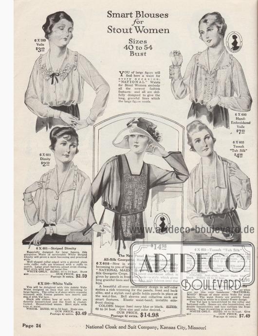 """""""Schicke Blusen für kräftige Frauen – Größen 101 bis 137 [cm] Brustumfang"""" (engl. """"Smart Blouses for Stout Women – Sizes 40 to 54 [Inch] Bust""""). Fünf elegante Blusen aus Voile (Schleierstoff), Barchent (Mischgewebe aus Baumwolle und Leinen), Seiden-Georgette oder Seiden-Baumwoll-Tussah für stärker gebaute Frauen. Zwei Modelle sind Produkte der Hausmarke National Maid Blouses. Die Damenblusen zeigen mit Valenciennesspitze besetzte Kanten und Spitzenborten, Haarbiesen, Biesen, kleine Bandschleifen, Stickereien, Hohlsaumnähte oder Zierknöpfe. Die meisten Blusen besitzen ein elastisches Taillenband. Das Modell in der Mitte unten präsentiert ein reich besticktes Stoffpaneel (""""Überbluse""""), das besonders lang geschnitten ist und Rücken und Vorderseite überragt. Kordel als Gürtel."""