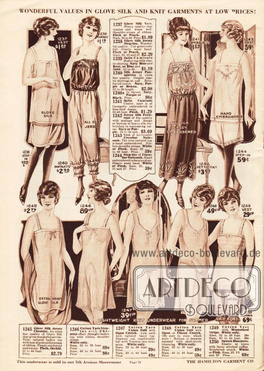 Damenunterwäsche. Unterhemden, Damenuntertaillen, Schlupfhöschen, ein bestickter Unterrock (Petticoat), eine langbeinige Pumphose, Pumphöschen und einteilige Hemd-Höschen-Kombinationen aus leichten sommerlichen Stoffen wie Handschuh-Seide, Seiden-Jersey, Satin, Nainsook (besonders leichter Musselin) und Baumwollgeweben für Damen und junge Frauen.