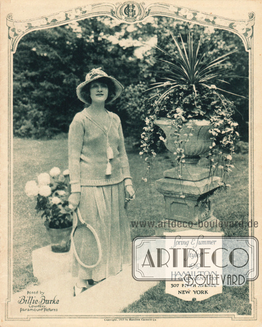 Titelseite bzw. Cover des Frühjahr/Sommer Katalogs des Waren- und Versandhauses Hamilton Garment Company aus New York City, New York, USA von 1919. Die Titelseite zeigt die Filmschauspielerin Billie Burke (1884-1970). Foto: Paramount Pictures.