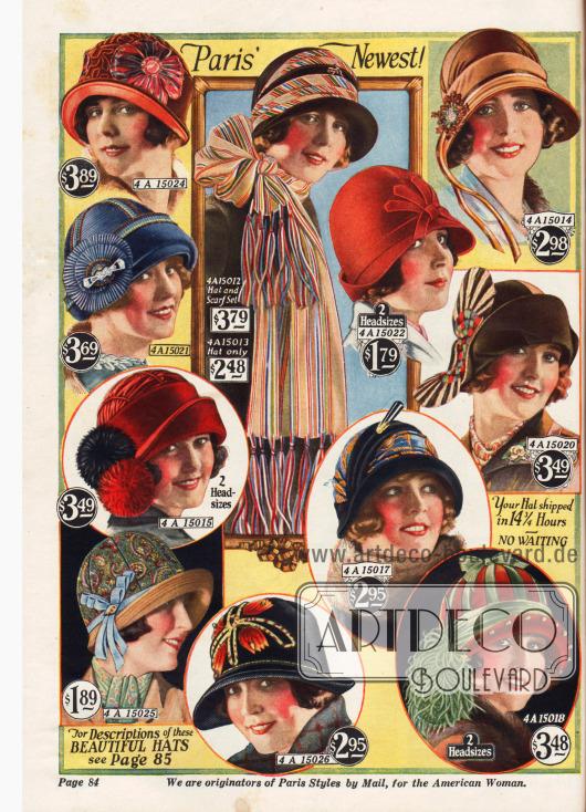 Hüte mit kurzen, gerollten Krempen, geschmückt mit Straußenfedern und anderen dekorativen Ornamenten.