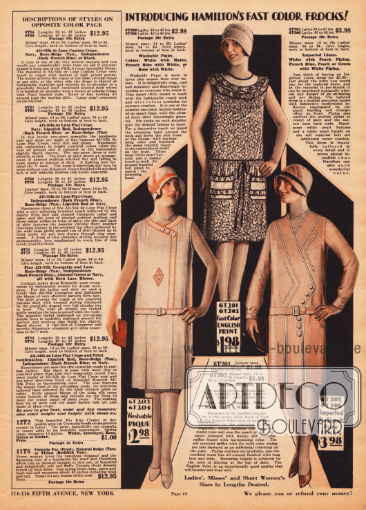 """Seite mit günstigen und schlichten, teilweise ärmellosen Kleidern aus Pikee, """"Fast Color English Print"""" (Organdy) und sanforisiertem (gekrumpftem / vorgeschrumpftem) Leinengewebe. Das obere Kleid zeigt Kragenrüschen, eine Reihenziehung am Rockübergang, aufgesetzte Taschen und schwarze Paspelierung. Die beiden unteren Kleider präsentieren tiefe Kellerfalten. Während das linke Kleid Biesen an der Schulter und einen Farbrand aufweist, besitzt das rechte Modell auch eine modernistische Paspelierung."""