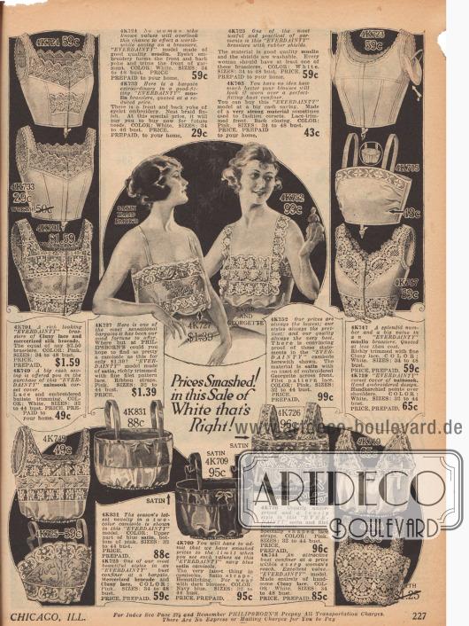 """Doppelseite mit Oberteilen der Damenunterwäsche bestehend aus 14 """"camisoles"""" (dt.: """"Damenuntertaillen"""") aus Spitze, Batist oder besticktem Satin, die über, unter oder einfach ohne Bustier getragen werden.Des Weiteren stehen acht """"corset covers"""" (kurze Hemdchen zum Schutz der Oberkleidung vor Korsettstäben) aus Spitze, Satin, Nainsook (dt.: besonders leichter Musselin) und acht sogenannte """"bust confiners"""" – auch """"brassieres"""" (dt.: Büstenhalter) genannt zum Abflachen und Formen der Brust – aus festen Geweben und Spitzen der Käuferin zur Verfügung. Rosa und Weiß überwiegen."""