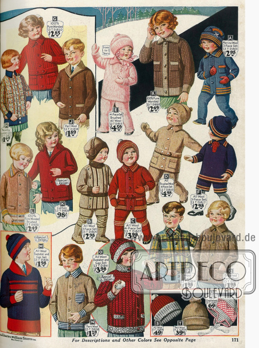 Strickjacken und Wollpullover für kleine Kinder mit passenden Wollmützen. Darunter befinden sich auch 6 warme Spielanzüge bestehend aus jeweils 3 Teilen, von denen wiederum 2 aus gekämmter Wolle bestehen.