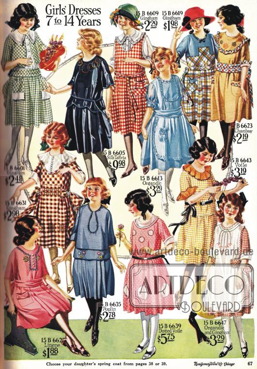 Lose geschnittene und bedruckte Kleider für Mädchen.