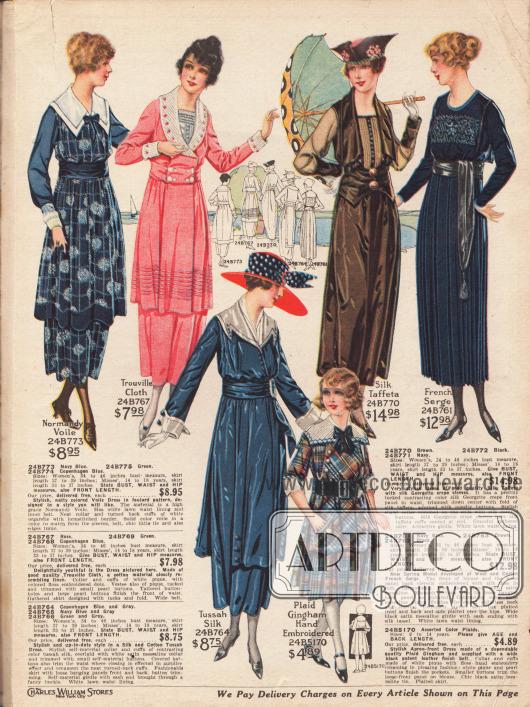 """Fünf Damenkleider aus Normandy Voile (Schleierstoff), """"Trouville Cloth"""" (leinenähnlicher Stoff aus Baumwolle), Tussah Seide, farblich changierendem Seiden-Taft und französischer Baumwoll-Woll-Serge. Unten rechts befindet sich zudem ein handbesticktes Kleid aus kariertem Gingham für 6 bis 14-jährige Mädchen. Die Kleider präsentieren weiße Garnituren aus Batist mit Hohlnaht, besticktem Pikee oder mit Knöpfen benähtem Satin-Messaline. Stickereien, helle Tressen oder lange Bandgürtel mit Schärpe und Quaste sind modische Details."""
