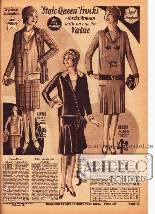 Seite mit zwei günstigen Damenkleidern und einem Ensemble. Das zweiteilige Ensemble besteht aus kariertem Baumwollstoff (Jacke und Rock) und Baumwoll-Breitgewebe (Bluse). Die beiden folgenden Kleider sind aus reinem Seiden-Satin und Woll-Jersey gefertigt. Das Ensemble sowie das zweite Kleid zeigen sauber gelegte und eingearbeitete Gehfalten.
