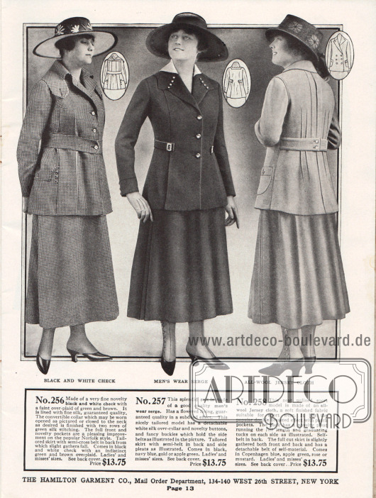 Preisgünstige Schneiderkostüme aus schwarz-weißem, kleinkariertem Mischgewebe, Woll-Serge und Woll-Jersey für Damen. Die Jacke des ersten Kostüms zeigt einen wandelbaren Kragen, der offen oder geschlossen getragen werden kann. Sehr unauffällig sind die Taschen in die Jacke eingegliedert. Die Aufmachung orientiert sich an dem gängigen und sehr beliebten Norfolk Stil. Das folgende Modell besitzt einen abnehmbaren Überkragen aus weißer Seide. Die beiden Halbgürtel sind mit dekorativen kleinen Schließen befestigt. Falten im Schoß und im Rücken erweitern die Jacke. Die ungefütterte Jacke des Sportkostüms rechts ist doppelreihig und zeigt im Rücken mehrere vertikal verlaufende Biesen (Abnäher).