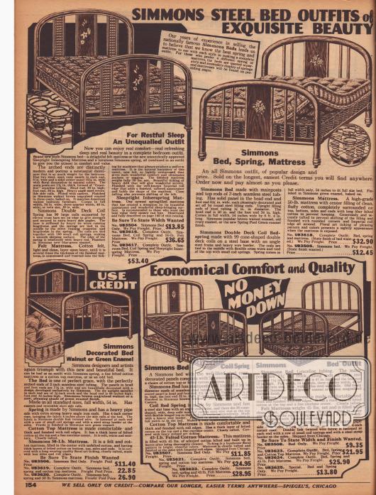 """""""Simmons Stahlbetten-Ausstattungen von erlesener Schönheit"""" (engl. """"Simmons Steel Bed Outfits of Exquisite Beauty""""). Emaillierte Stahlbetten, Stahlfeder- oder Gitternetzmatratzen und gepresste Baumwollmatratzen der landesweit bekannten US-Marke Simmons. Die Metallbetten aus Stahlrohr sind wahlweise grün oder braun emailliert. Die letztere Farbe ist so aufgebracht, dass eine Walnussholzmaserung imitiert wird."""