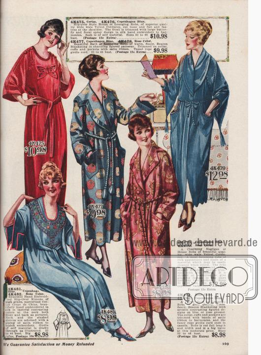 Kimonos, Negligees und Bademäntel aus verschieden Samt– und Bauwollstoffen.