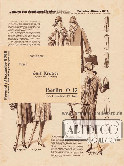 Lose beiliegende Postkarte, die sich über die Jahrzehnte am Papier festgeklebt hat: Vorderseite der Postkarte (Maße: 14,9 x 10,4 cm / 5,87 x 4,10 in) zum Bestellen von Schnittmustern, adressiert an Herrn Carl Krüger (Lyon's Filiale Osten), Berlin O 17, Große Frankfurterstr. 132, Laden. Für Eilbestellungen konnte auch der Fernruf Alexander 6069 gewählt werden.